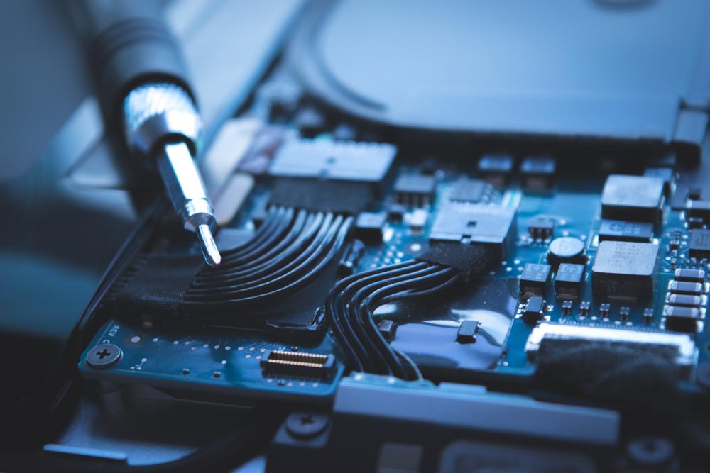 choosing computer repair replacement